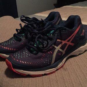 Size 7 running asics